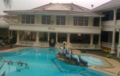 Kolam Renang Hotel Delaga Biru