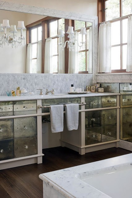To da loos: Lusting for Mirrored vanities Part 1