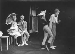 Asal Mula Teater Waktu dan daerah pertunjukan teater pertama kali dimulai tidak diketahui Materi Sekolah    Sejarah Teater Di Eropa