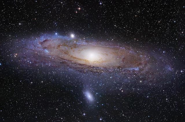 Галактики во Вселенной связаны нитями