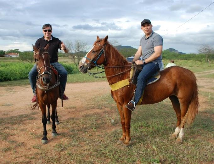 Pré-candidato a Deputado Estadual  Wellison Ribeiro visita cidade de Barcelona e prestigia cavalgada da fazenda Ramada