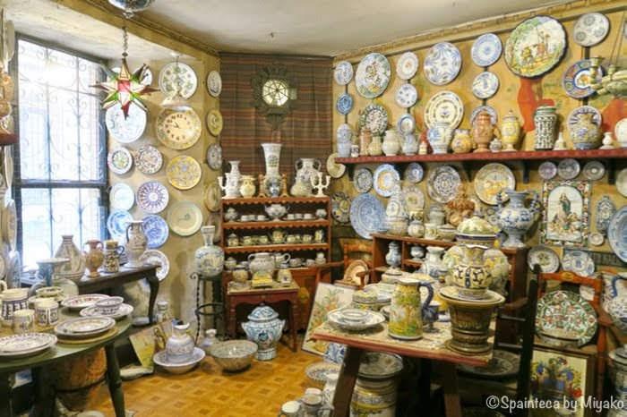 スペインのマドリードの老舗陶芸専門店の店内