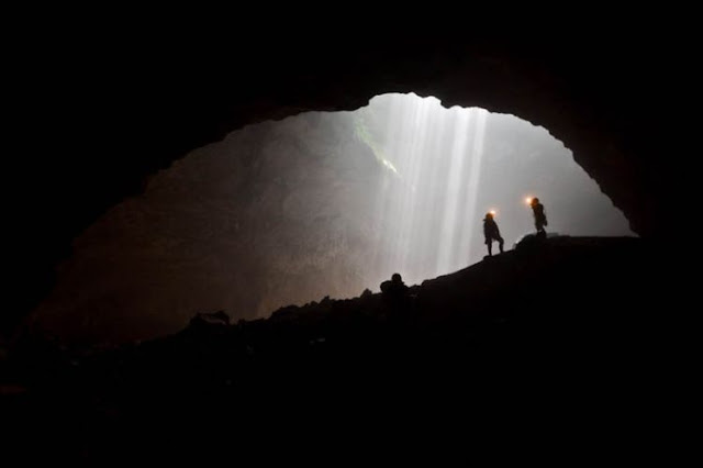 Jelajah Alam Goa Jomblang di Gunung Kidul - Yogyakarta
