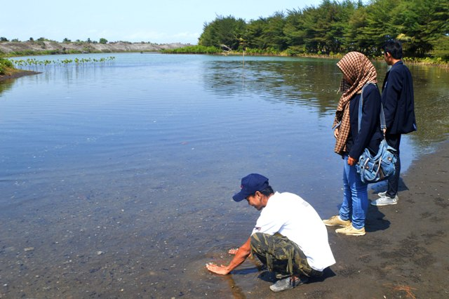 Menikmati Laguna Dan Gumuk Pasir Di Pantai Lembupurwo, Kebumen