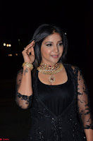 Sakshi Agarwal looks stunning in all black gown at 64th Jio Filmfare Awards South ~  Exclusive 083.JPG