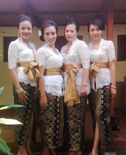 Model Kebaya Bali Tradisional Putih