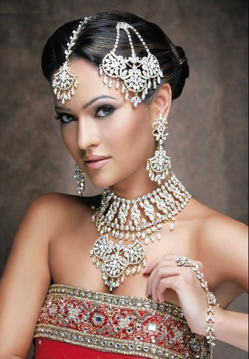 Trends Hairstyles Indian Bride Hairstyles Sleek Stylish