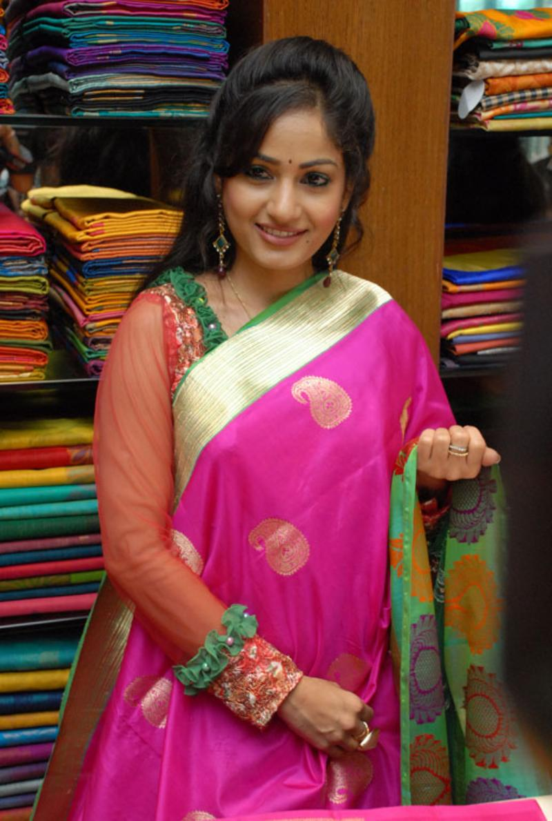 Beautiful Bellary Girl Madhavi Latha Photos In Transparent Red Saree
