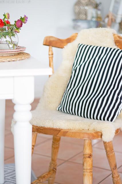 upcyling, aus alt mach neu, alt mit neu kombinieren, diy, vintage, mix and match, alter Stuhl mit modernem kombinieren, alter Stuhl mit Ikeatisch kombinieren