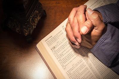 Orando de acordo com a Palavra de Deus