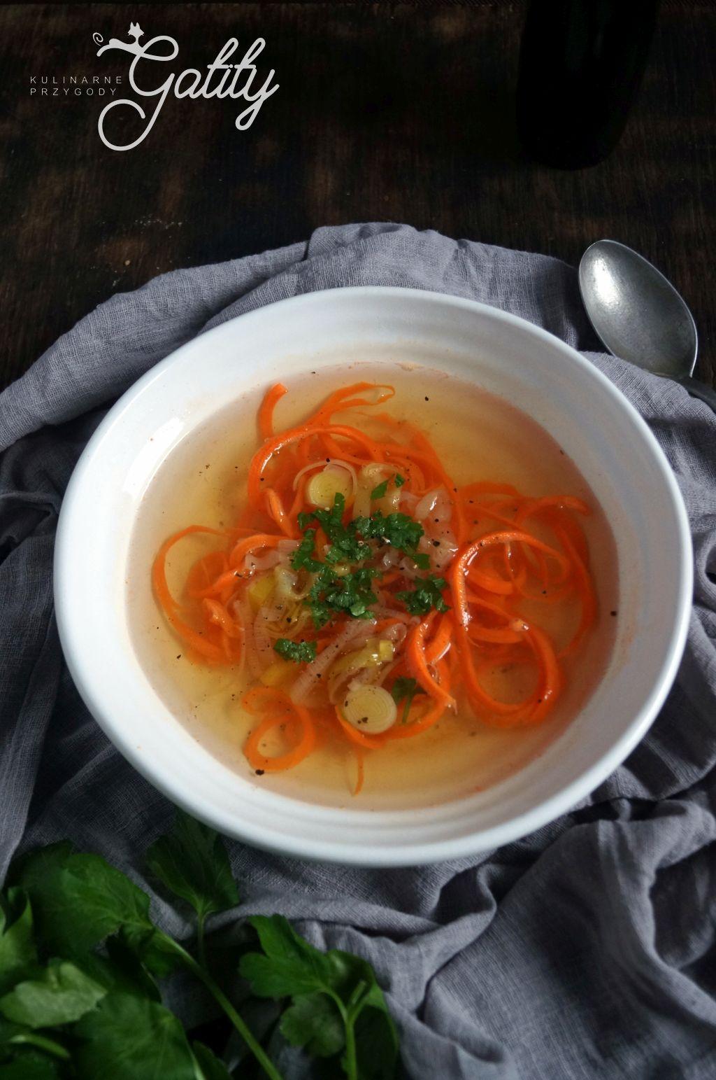 zupa-z-makronem-z-marchewki