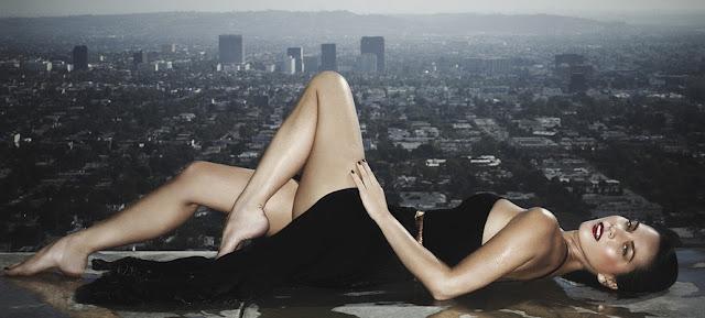 Olivia Munn Sexy Legs