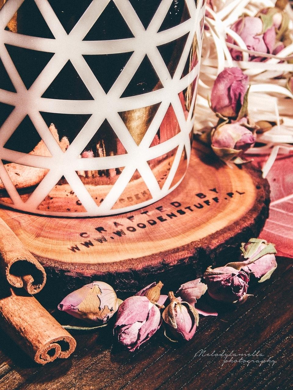 drewniana podkladka pod kubek woodenstuff zloty kubek kubek w gwiazdki kwiaty prezent pomysl instagram