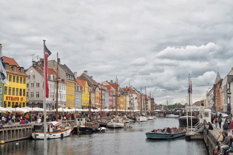 Promenade dans Nyhavn, le port de Copenhague