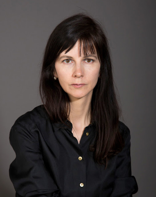 gillian wearing Conceptual artist gillian wearing emerged in the 1990s as part of a bold generation of artists that helped define modern british art since that golden era wearing has chosen to stay out of the.