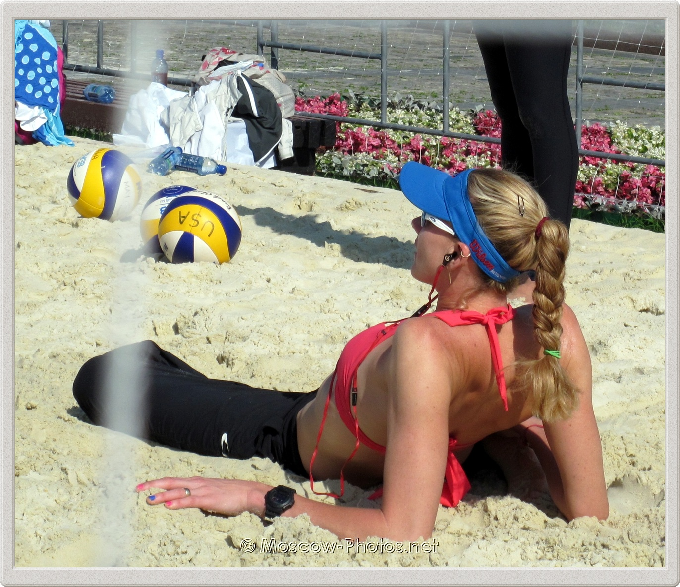 Kerri Walsh relaxes before the game in Moscow