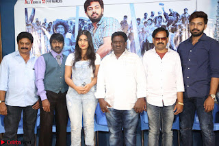 Bichagada Majaka Press Meet   Neha Deshpande with star Cast 11 March 2017 007.JPG