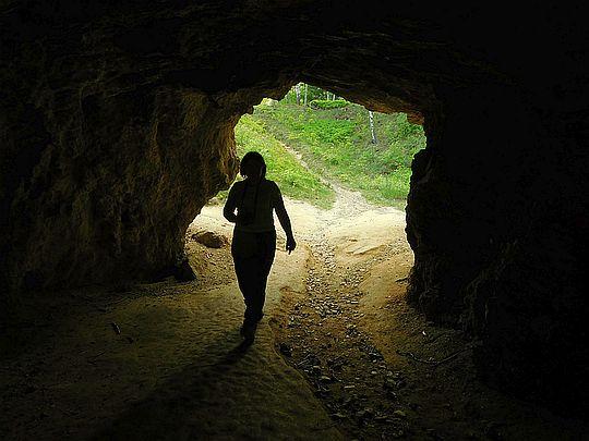Przez tunel do Jeziorka Żółtego.