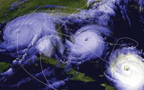 URGENTE: Autoridades Se Preparan Para La Formación De 4 Huracánes Simultáneamente.