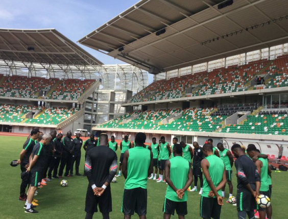 a - Photos: Super Eagles players observe one minute silence in honour of late Stephen Keshi