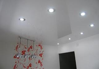 Монтаж натяжного потолка белого цвета в Армавире