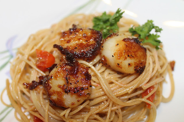 Perfectly Seared Scallops and Pasta