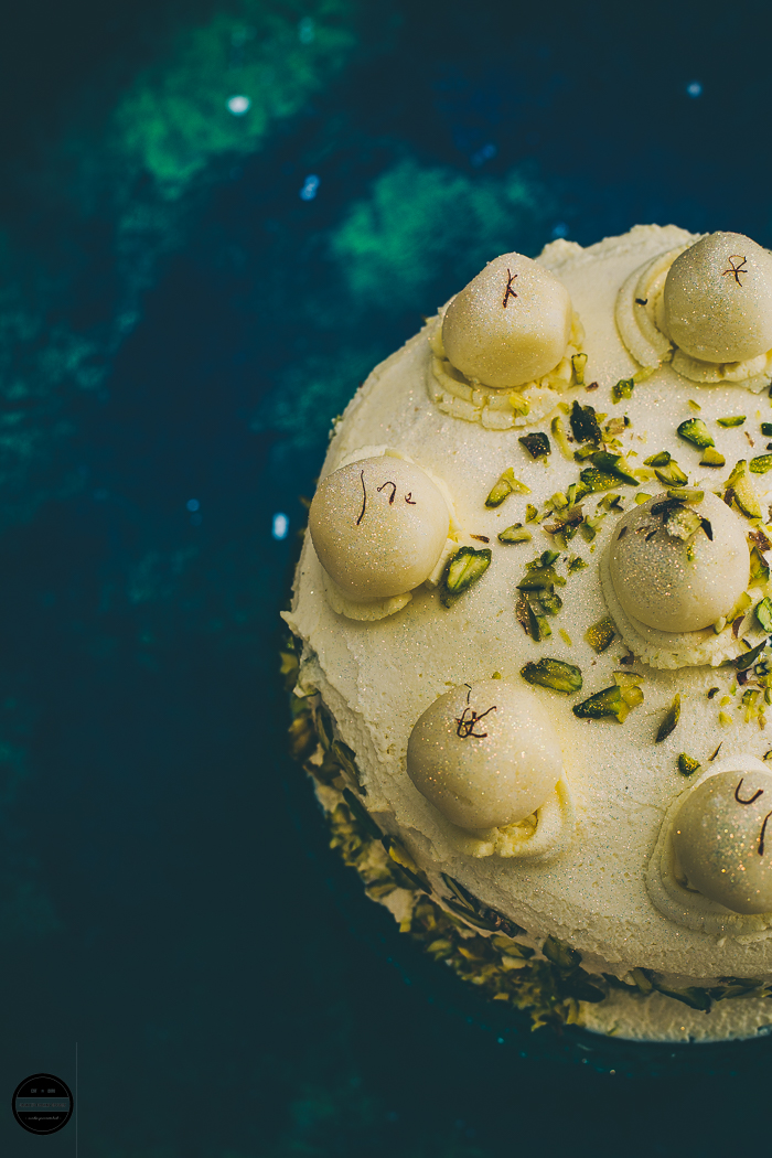 Eggless Ras Malai Cake, an interesting fusion layered cake that is exquisite and sumptuous! This cake is prepared with basic sponge cake and Inadin dessert Ras Malai.
