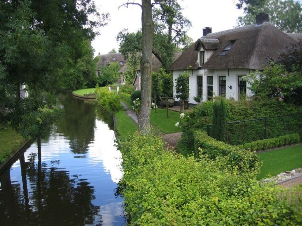Laptop Travel: Giethoorn, Netherlands - Image 5 - Lounging at the Waldorf