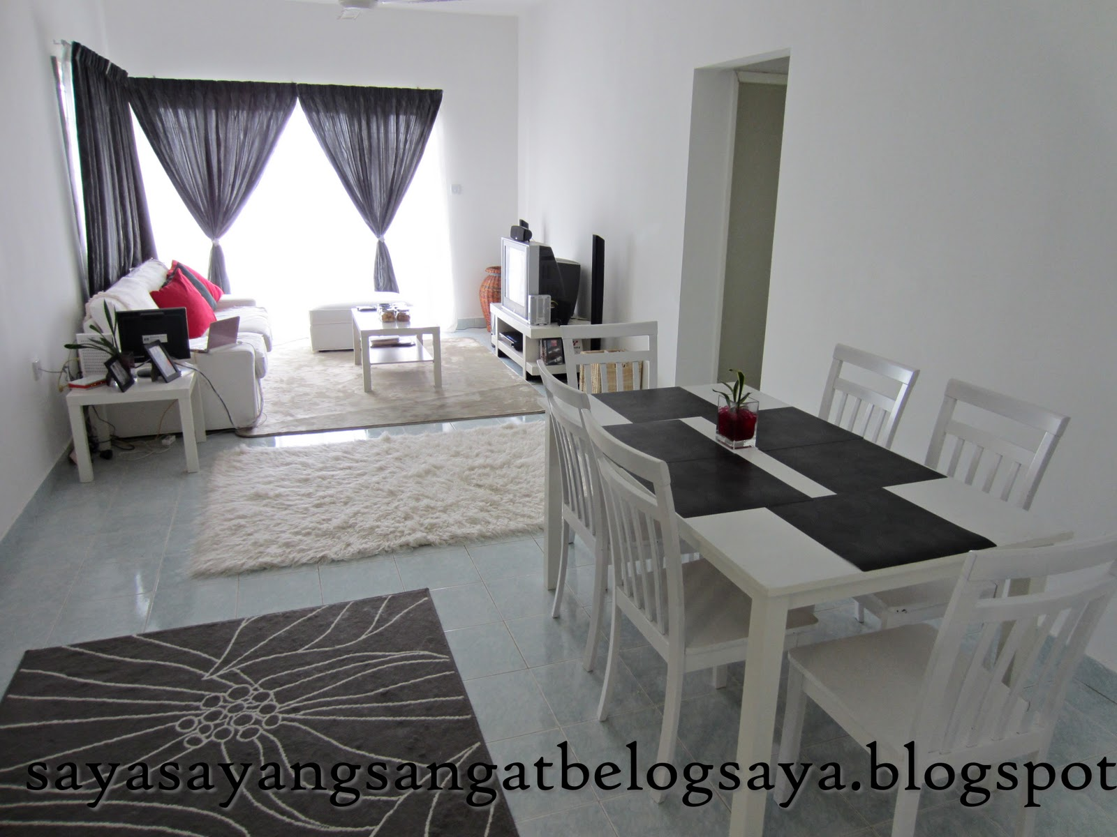 Ruang Tamu Tema Kelabu Desainrumahid