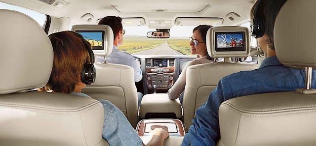 """Nissan Armada Platinum 2017 - Monitores de 7"""" en el interior"""