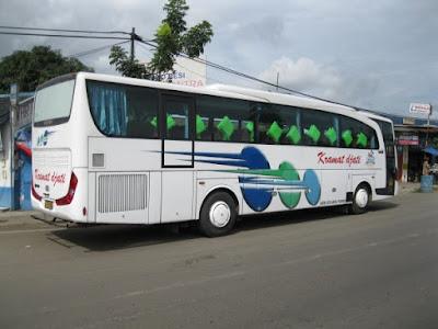 Bus Bandung Jakarta di Terminal