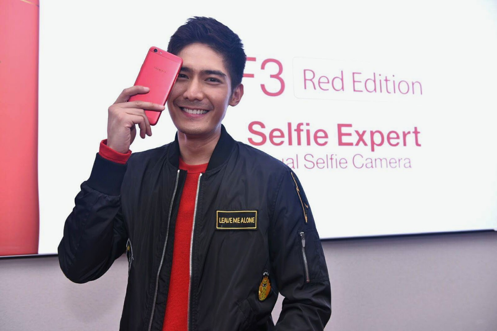 Much Anticipated Oppo F3 Red Limited Edition Is Now Available Grand Indonesia Robi Domingo With The New