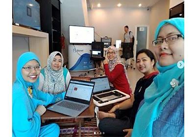 Blogger full time