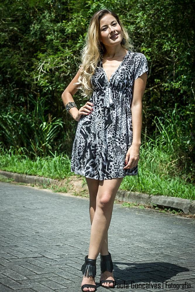 Look sandália franjas e vestido - Blog Ally Arruda,  Aline Arruda
