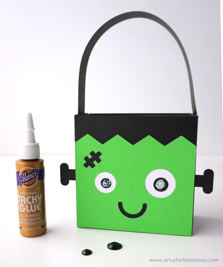 Halloween Frankenstein Character Treat Bag made with Cricut Maker #CricutMade