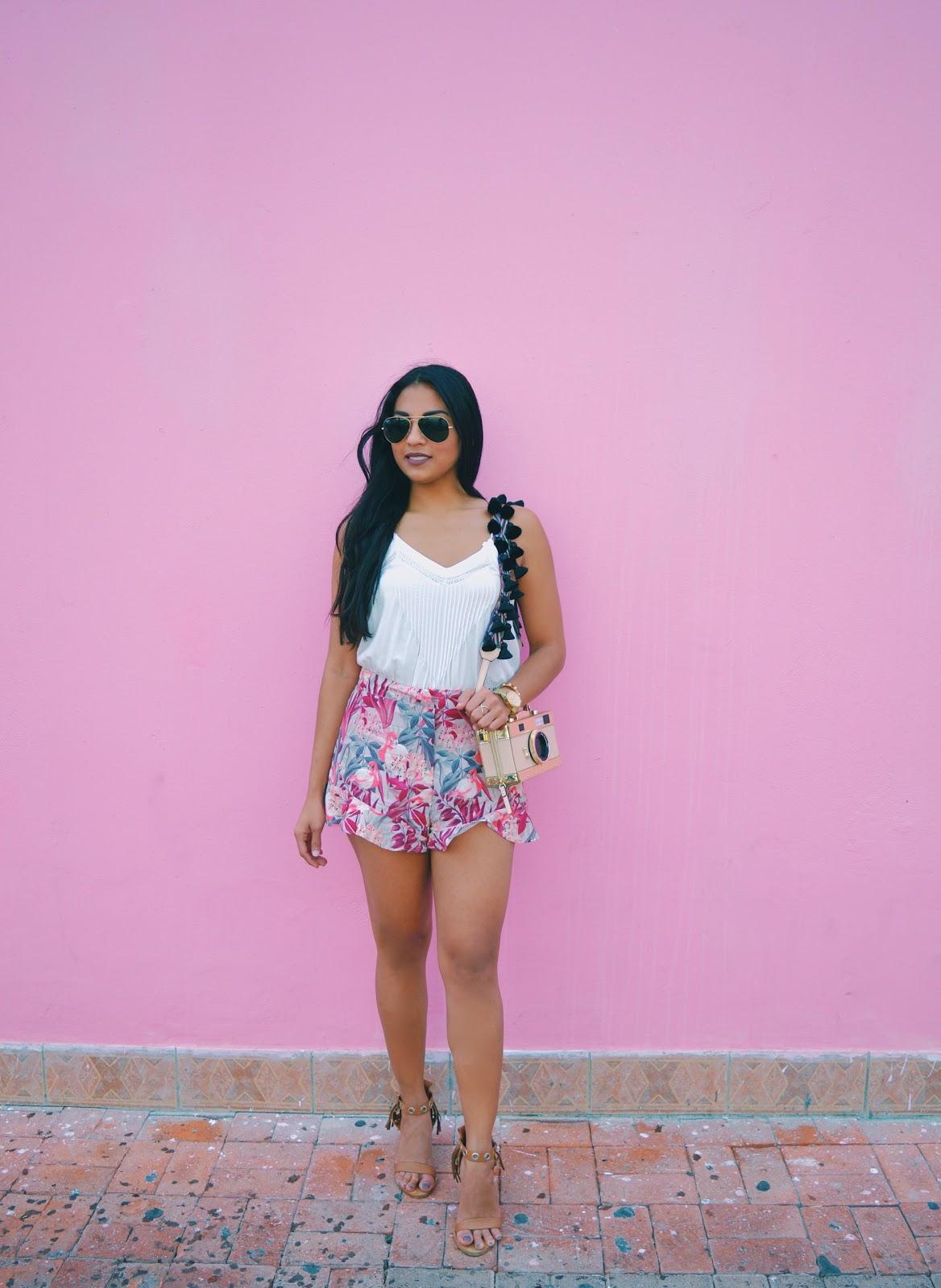 the fashionably late blogger aishly tromp camera bag kate spade fashion blogger aruba