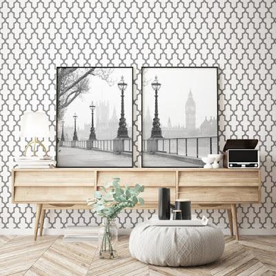 Interior decorado con el papel para empapelar geométrico 025