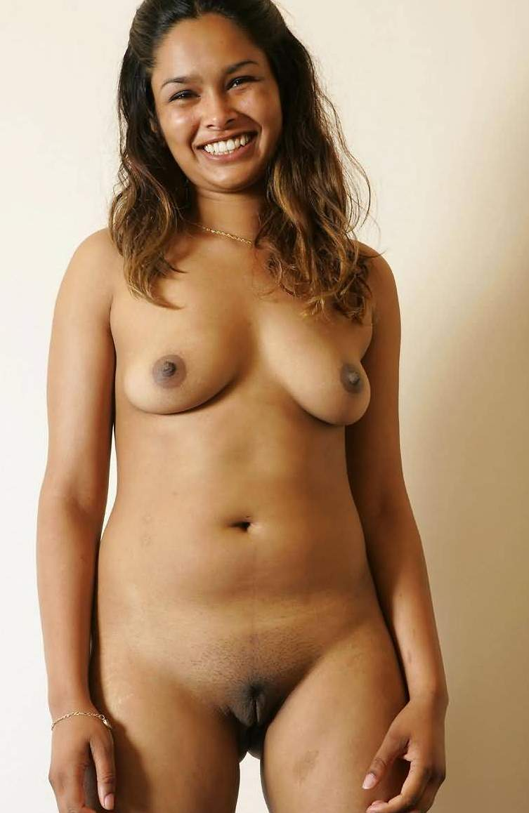 Indian Girl Showing Tits