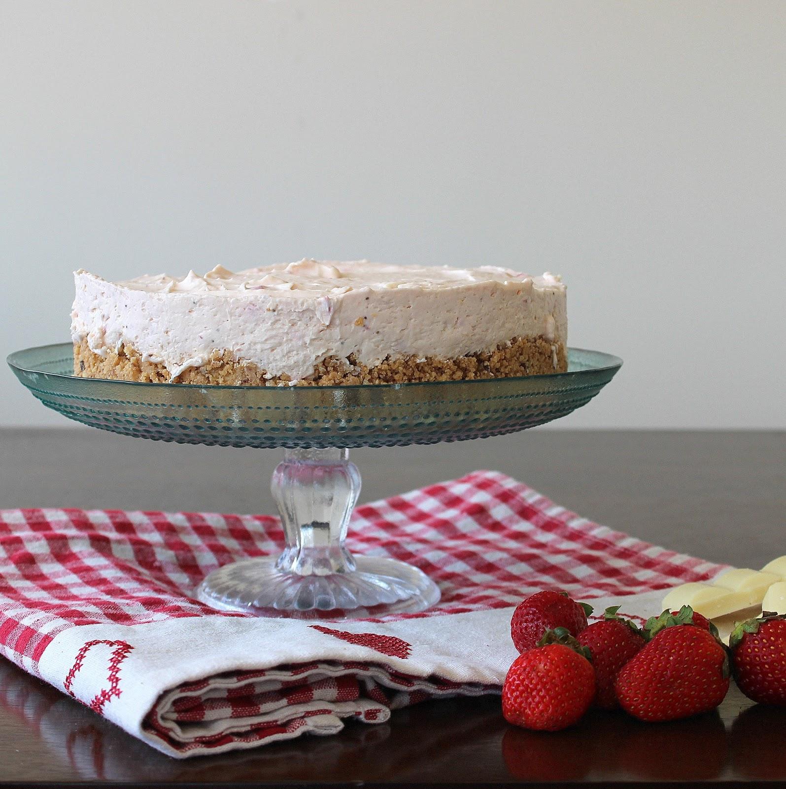 Picnic Strawberry White Chocolate Cheesecake