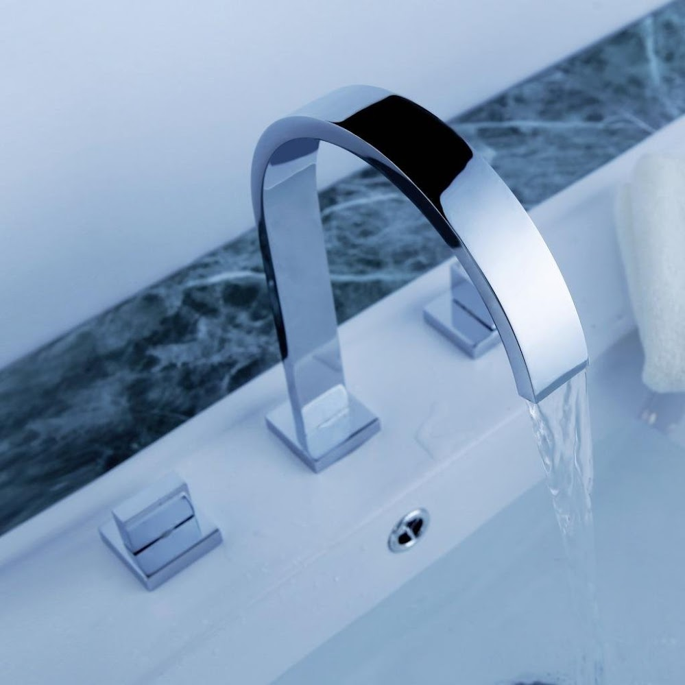 curved-chrome-faucet