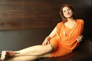 Actress Saloni Aswani Pos in Short Dress at Meelo Evaru Koteeswarudu Movie Interview  0329.JPG