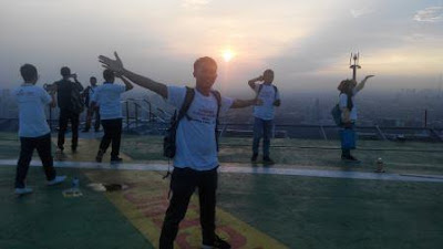 Sunrise di Rooftop Sahid Sudirman Center