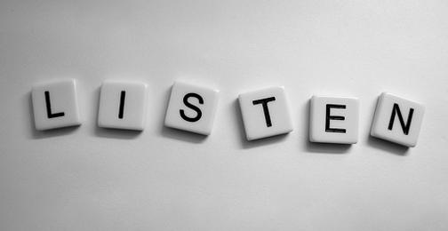 Lắng nghe