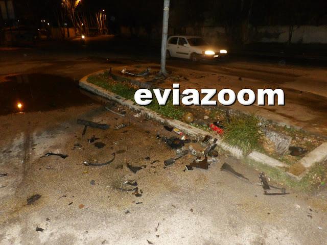 Χαλκίδα: Σφοδρό τροχαίο την Πρωτοχρονιά με μεθυσμένο 17χρονο οδηγό στη Λεωφόρο Παπαστρατή - Το αυτοκίνητο «καρφώθηκε» σε κολώνα της ΔΕΗ (ΦΩΤΟ)
