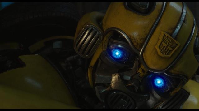 Bumblebee: Người Máy Biến Hình - Ảnh 1