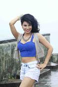manisha kelkar sizzling in rain-thumbnail-12