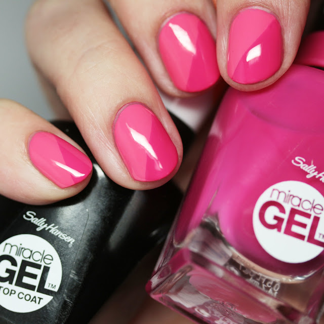 Sally Hansen Miracle Gel taped nail art