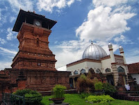 tempat wisata religi di kota kudus