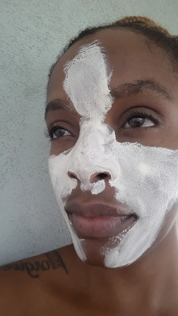 Peter Thomas Roth Therapeutic Sulfur Mask applied - www.modenmakeup.com