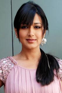 انتارا مالي (Antara Mali)، ممثلة هندية